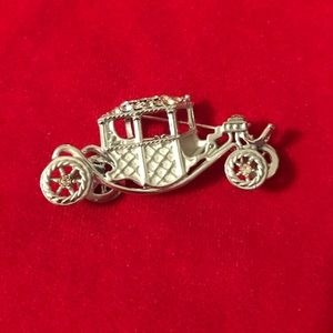 Jewelry - Vintage A.J.C. Brand carriage brooch